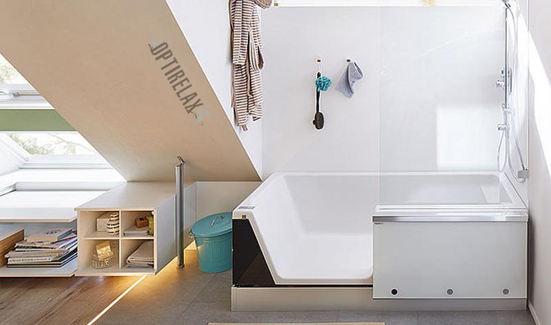 Badewanne mit Dusche und automatische Türe