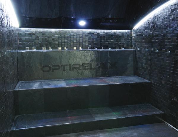 optirelax-dampfbad-vip-blackstone210-innenansicht