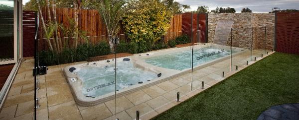 swim-spa-mit-zwei-getrennten-wasserbereichen-optirelax-hotcool-l