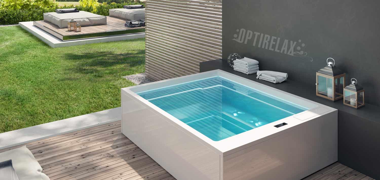 Design Whirlpool draussen im Garten auf der Terrasse aufstellen ...