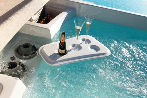 Luxus Whirlpool im Sommer T-S220
