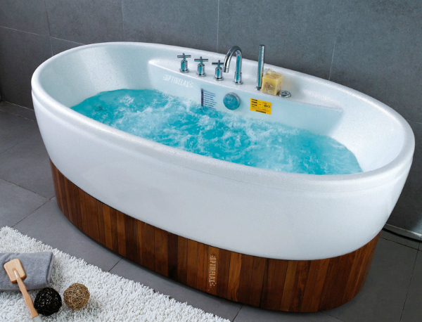 Luxus Whirlpoolwanne Free One