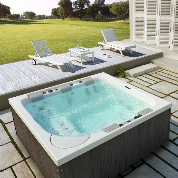 Premium Whirlpool im Sommer TC-Spa XL