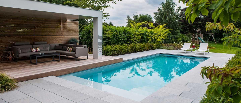Swimmingpool bauen mit Rollabdeckung - Fertigbecken