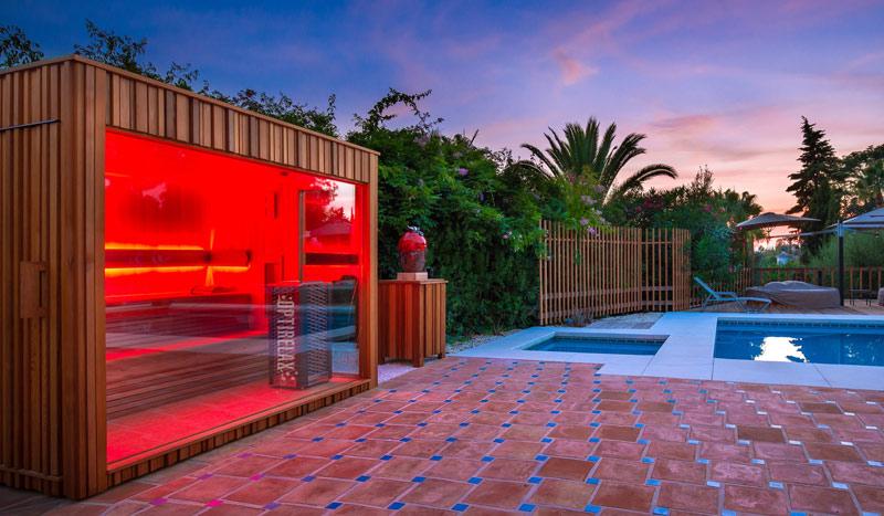 sauna mit glasfront optirelax blog. Black Bedroom Furniture Sets. Home Design Ideas