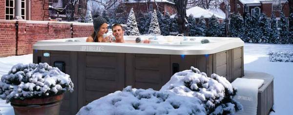 Mit einer guten Wärmepumpe und / oder Überdachung sind Whirlpools auch im Winter sehr gut nutzbar